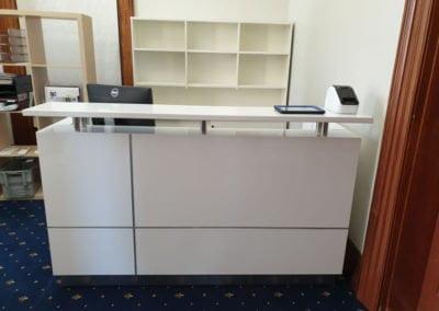 Hugo Modern Reception Counter